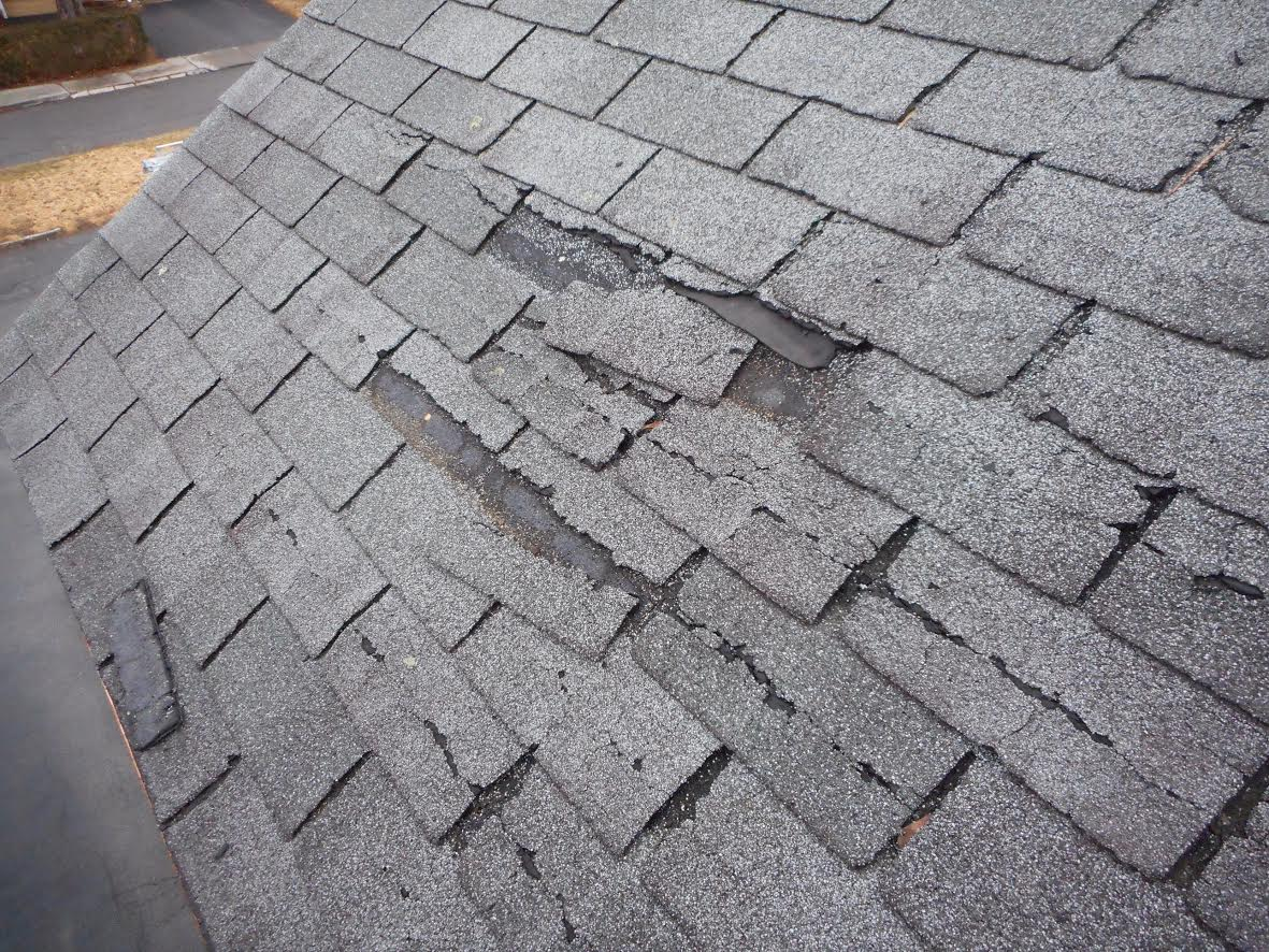 Damaged Shingles That Need To Be Replaced
